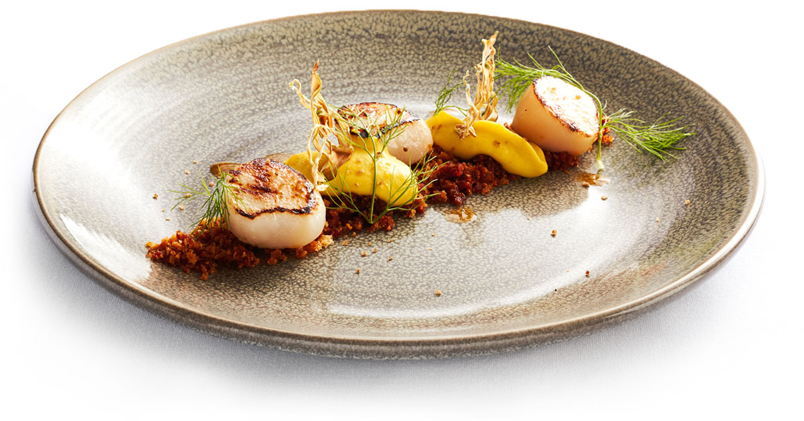 Seared scallops with sweet corn, fennel crisps and chorizo crumb, smoked serrano salt - Award Winning event catering at Forum Melbourne
